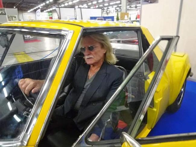 Au revoir Christophe  Amoureux de belles voitures